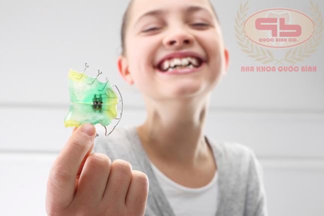 Nong hàm trên ở trẻ đem lại lợi ích khi nào?